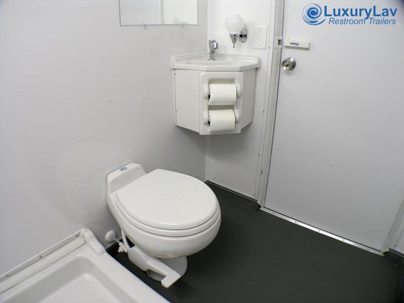 102 LuxuryLav WC 2 Stall Combo