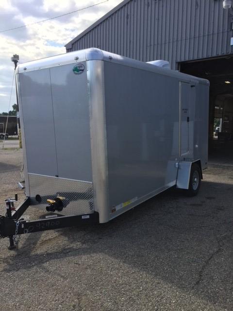 103 FR Narrow Body III Combo Shower / Restroom Trailer