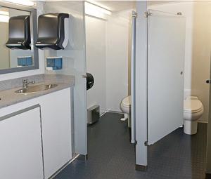 110 WC 8262-4F2M Multi Stall 10 Restroom Trailer