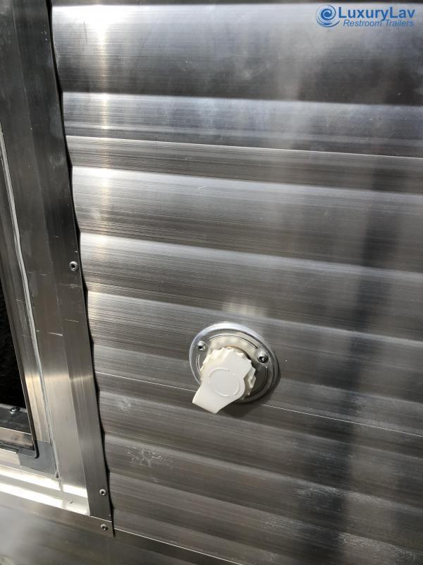 103 SD Aluminum Restroom Trailer
