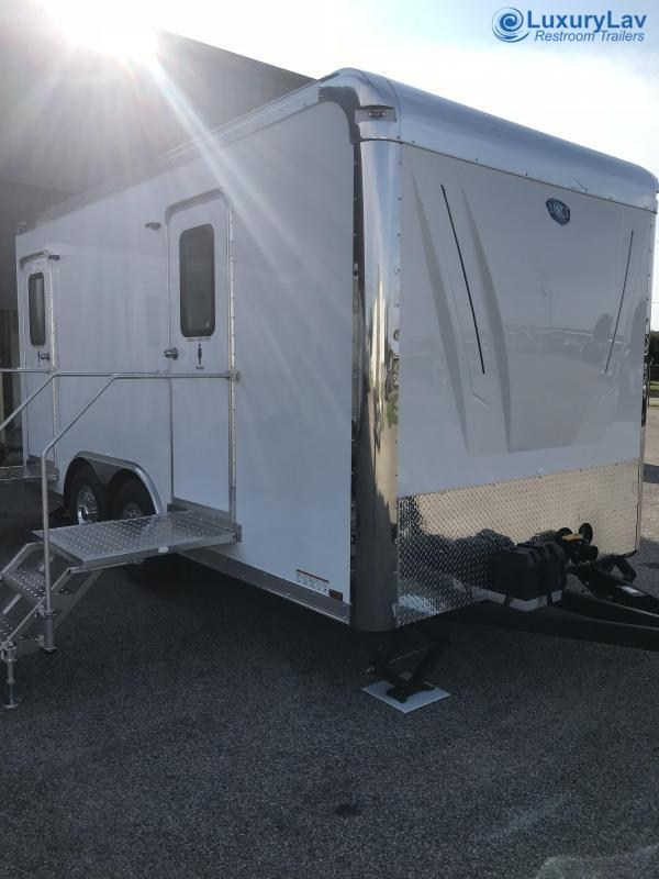 110 LuxuryLav FR Wide Body Denali 10 Stall Restroom Trailer