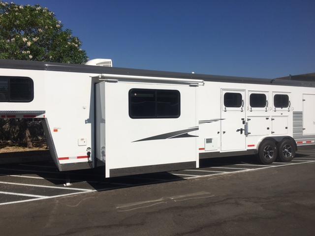2019 Trails West SEIRRA  w/ LQ   3 Horse Trailer (GN)