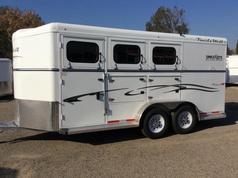 2019 Trails West Classic II Aluminum 3 Horse Warmblood