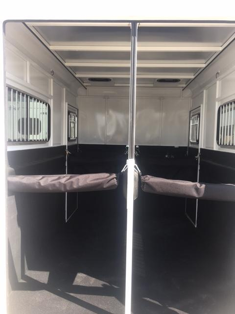 2020 Trails West  ROYALE PLUS 2 Horse Trailer