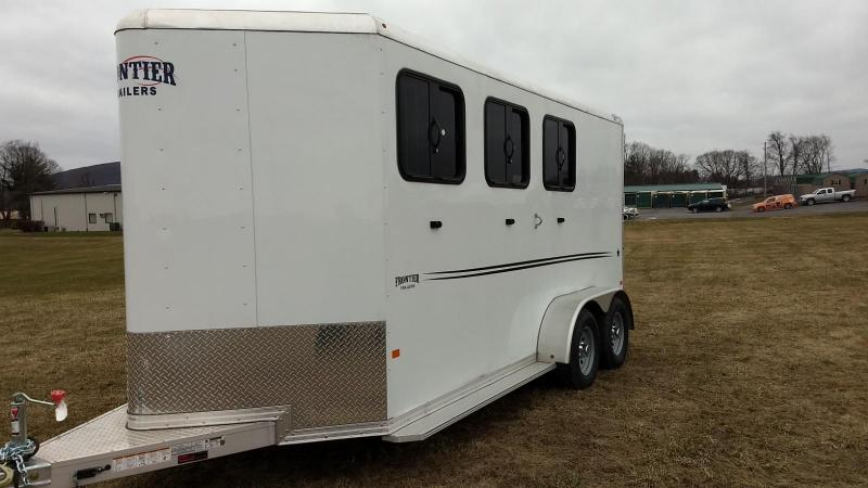 2018 Frontier Strider Series Combo 3 Horse Slant Horse Trailer