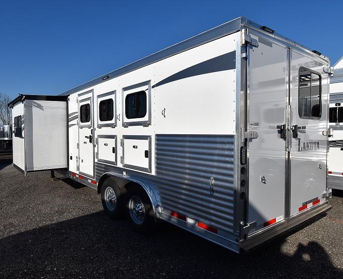 2020 Lakota Charger 8311 Horse Trailer