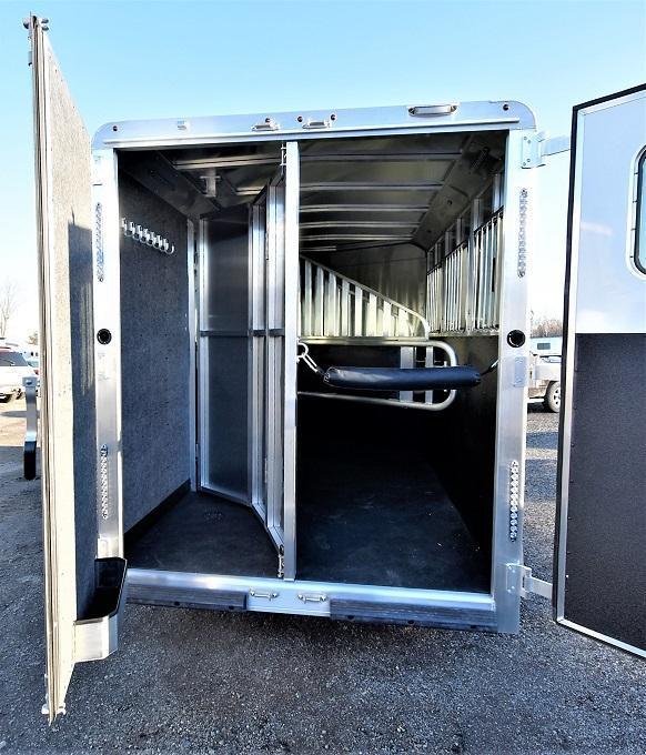 2020 Merhow Trailers Bronco Bumper Pull 3-H Horse Trailer