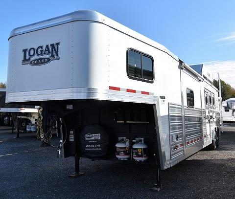 2020 Logan Coach 814 Select Horse Trailer