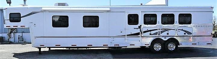 2006 Bison Trailers 8416 Stratus Horse Trailer
