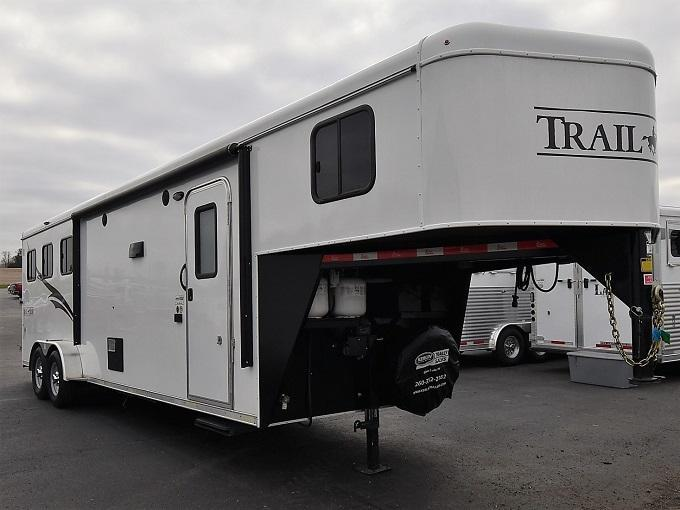 2017 Bison Trailers 7310 Trail Hand Horse Trailer