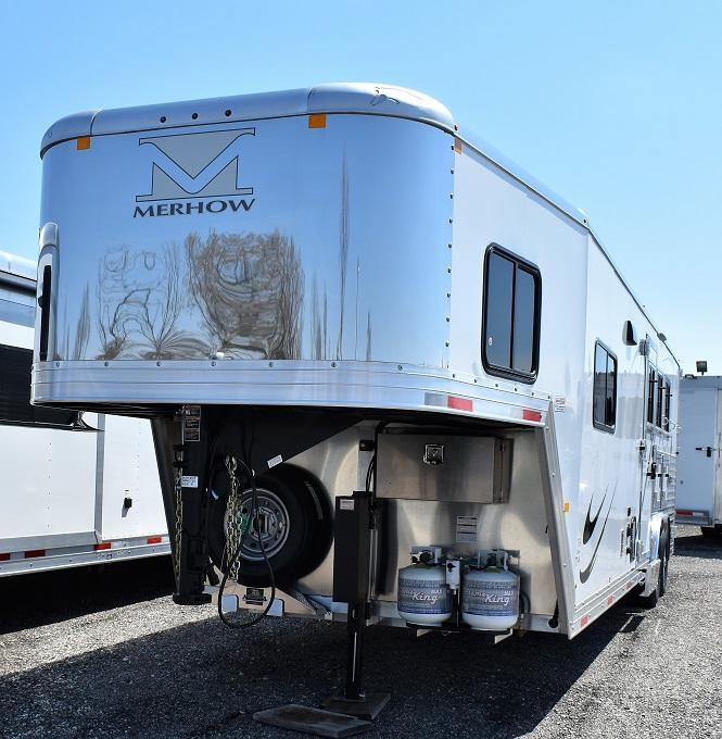 2019 Merhow Trailers 8311 Riser Wall Sofa Horse Trailer