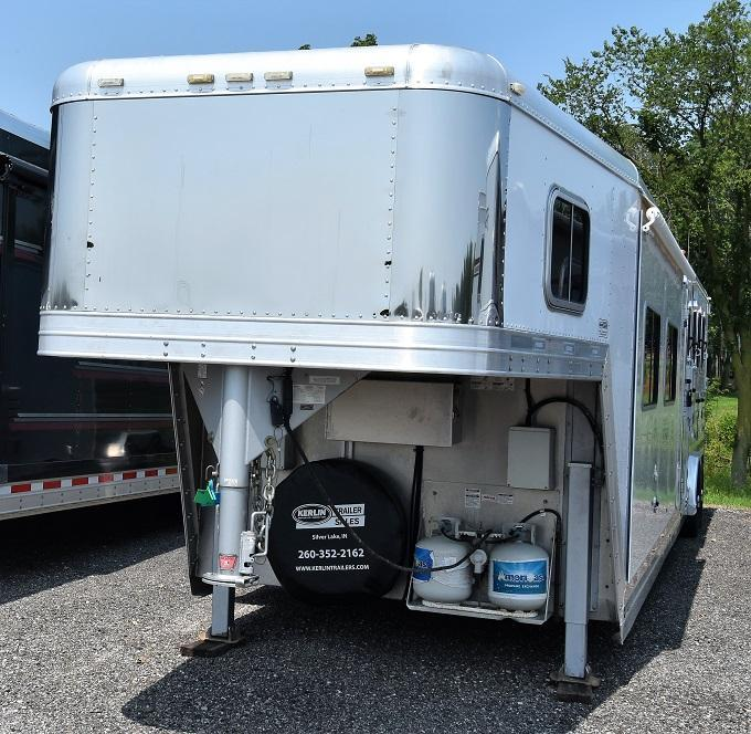 2009 Featherlite 8581 with 16 Sierra Conversion 12' slideout Horse Trailer