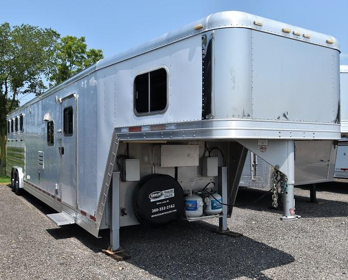 2009 Featherlite 8581 with 16 Sierra Conversion 12' slideout Horse Trailer