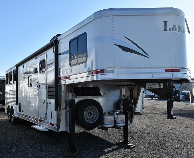 2020 Lakota 8311 Charger Horse Trailer