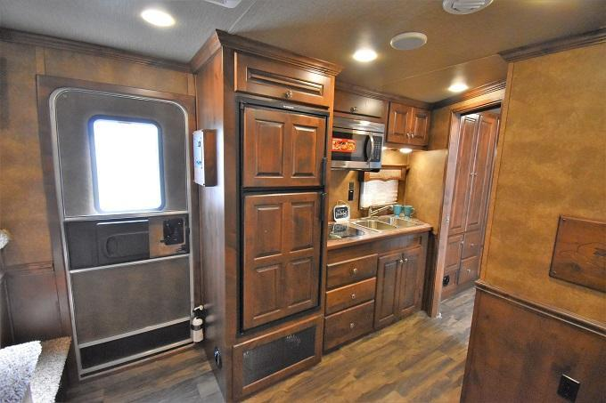 2020 Merhow Trailers 8312 Alumastar Next Generation Horse Trailer