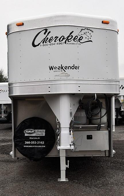 2004 Cherokee Tomahawk Weekender w/bathroom Horse Trailer