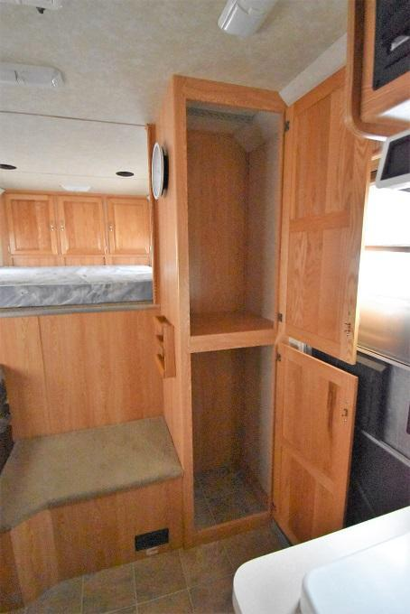 2006 4-Star Trailers 8410 Horse Trailer