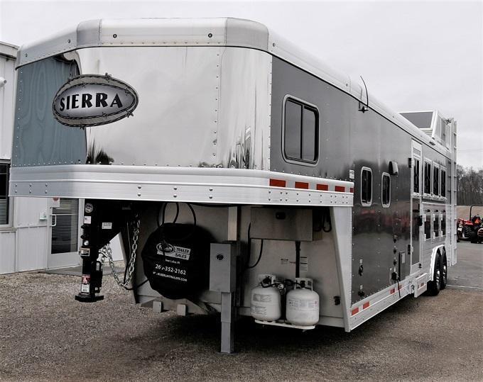 2017 Sierra 8411 Horse Trailer