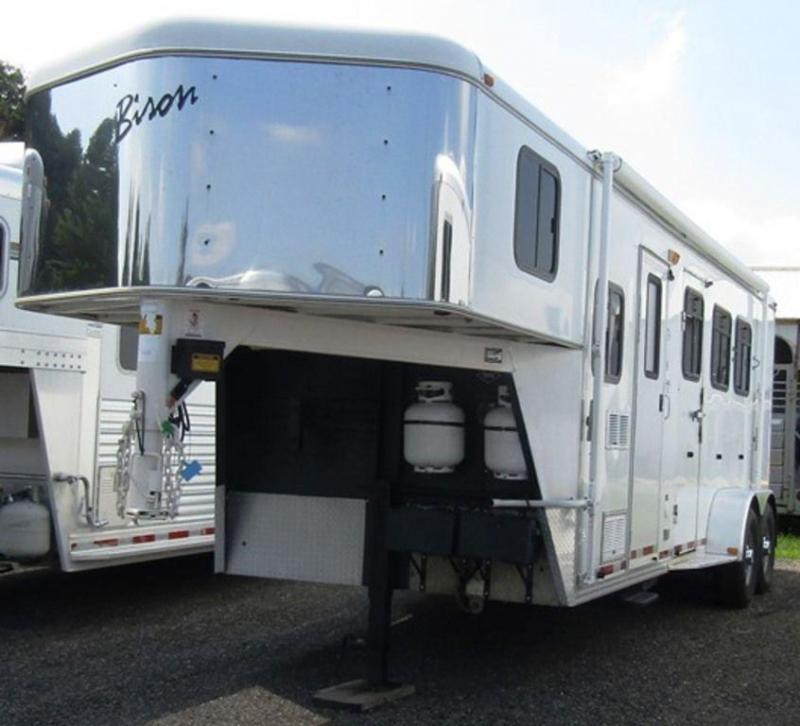 2003 Bison 7308 Alumasport Horse Trailer