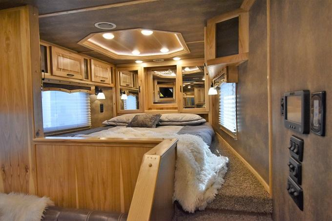 2020 Lakota 8317 Bighorn Big Bathroom Horse Trailer