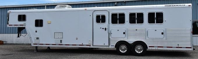 2006 Featherlite 8413 Horse Trailer