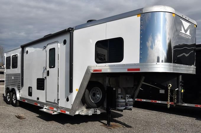 2020 Merhow Trailers 8209 Riser Wall Sofa Horse Trailer