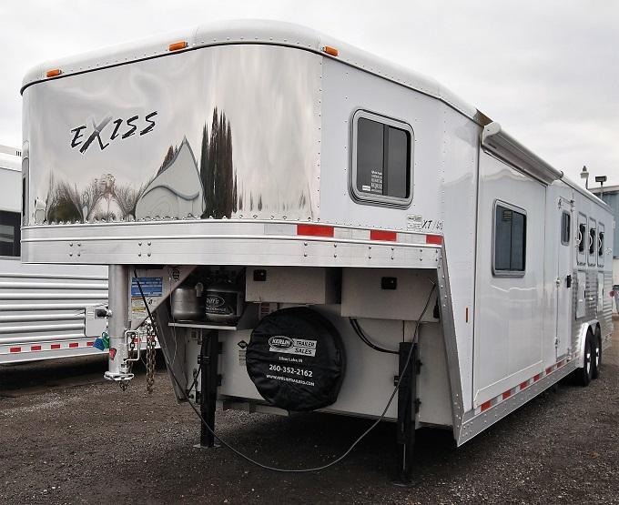 2007 Exiss Trailers Event XT412 Horse Trailer
