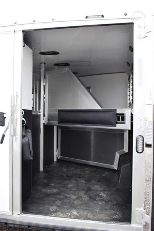 2019 Lakota Charger 839 Horse Trailer