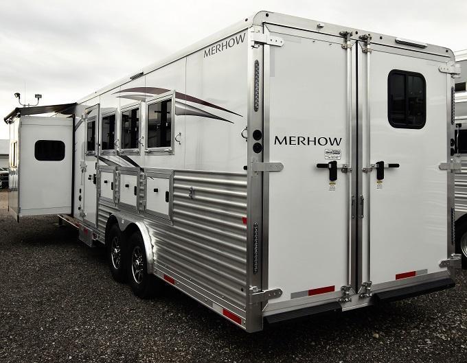 2020 Merhow Trailers 8413.5 Alumastar Riser Wall Sofa Horse Trailer