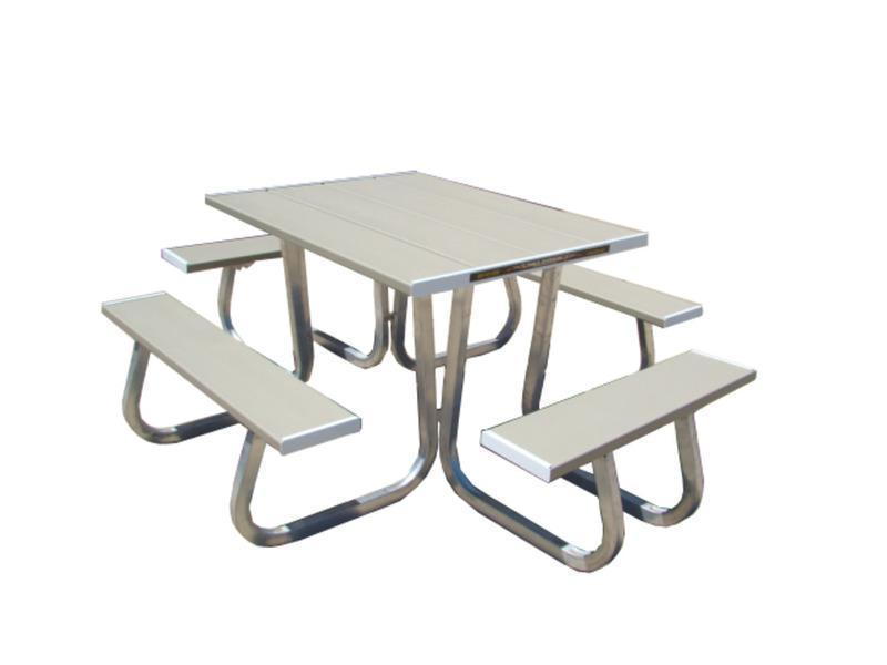 2015 Aluma 4 Sided Picnic Table