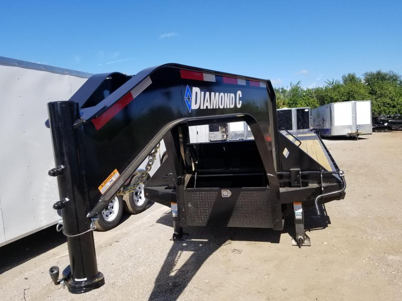 2019 Diamond C Trailers FMAX210 Equipment Trailer Gooseneck 30'
