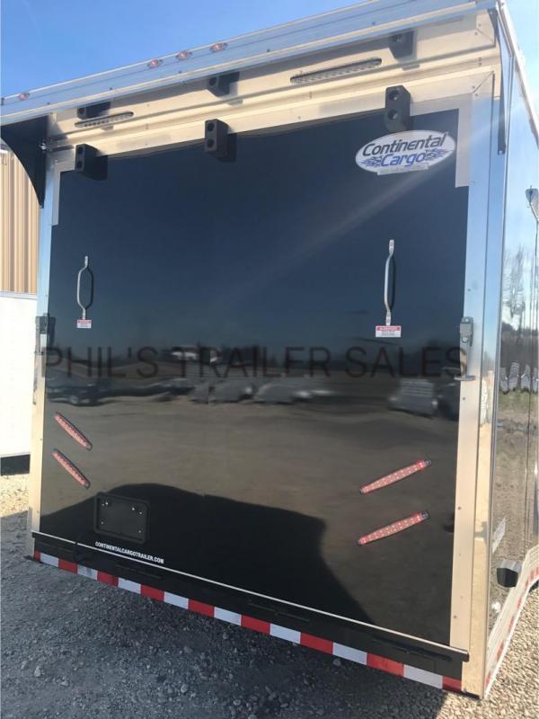 32 Continental Cargo Enclosed Race Trailer  Car Racing Trailer