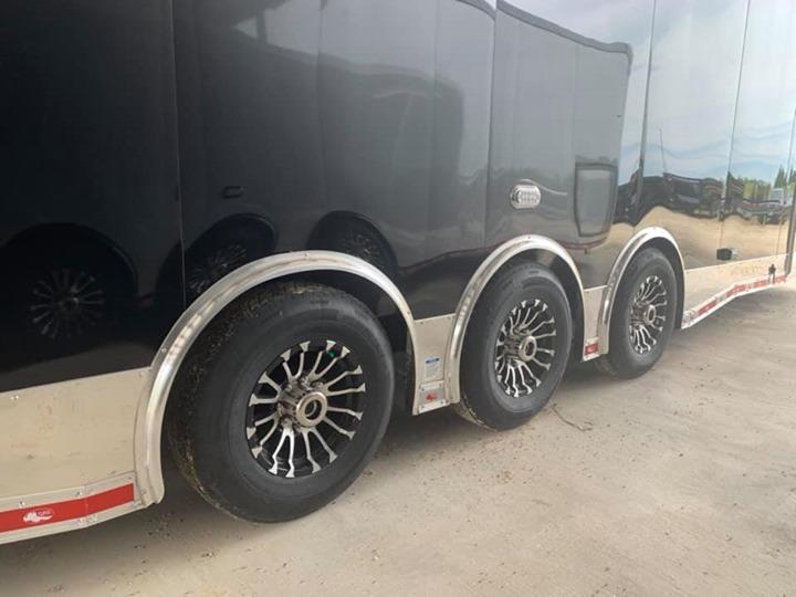 32 Triple Continental Cargo Automaster Race Car Racing