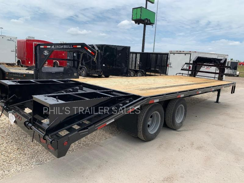 25 FT WITH DOVE AND RAMPS  10 K TANDEM DUAL Equipment Trailer