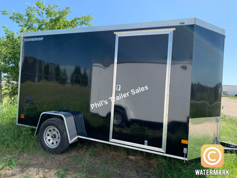 6X10 WELLS CARGO  SCREWLESS  ROAD FORCE  Enclosed Cargo Trailer