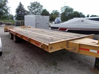 2000 Dynaweld 8.5 x 20 Flatbed Equipment Trailer w/ 5' Beavertail