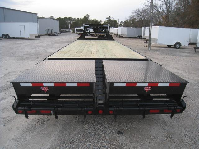 2019 PJ Trailers FS 28 Deckover with Singles Equipment Trailer