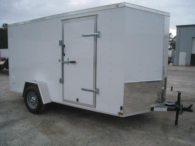 PRICE BUSTER 2020 Lark Vnose Enclosed Cargo Trailer