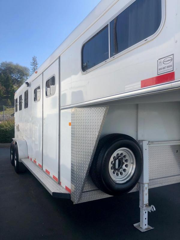 2005 Circle J Trailers 3_Horse Gooseneck Riata Model Horse Trailer
