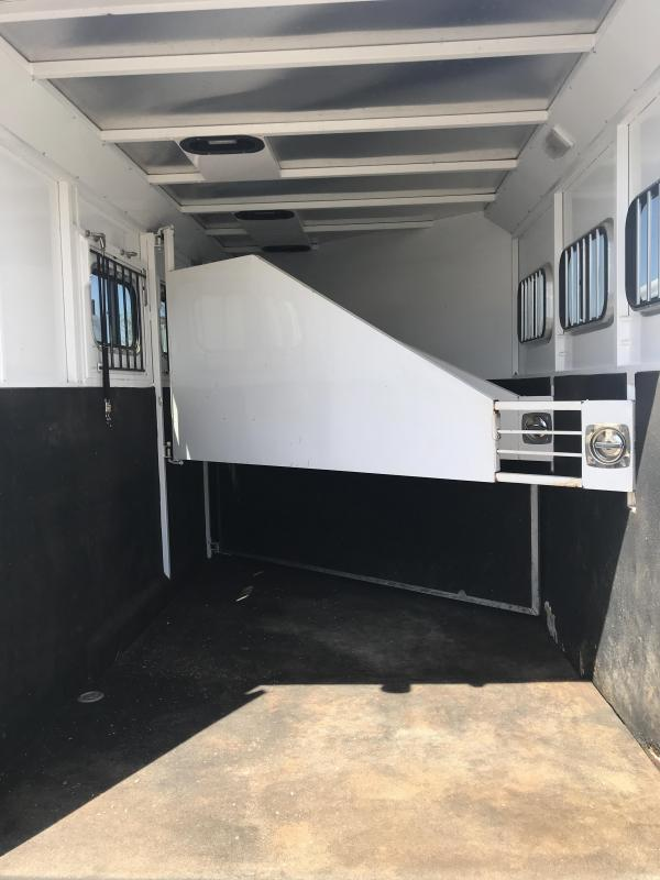 2010 Trails West Manufacturing 3H LQ Classic Horse Trailer