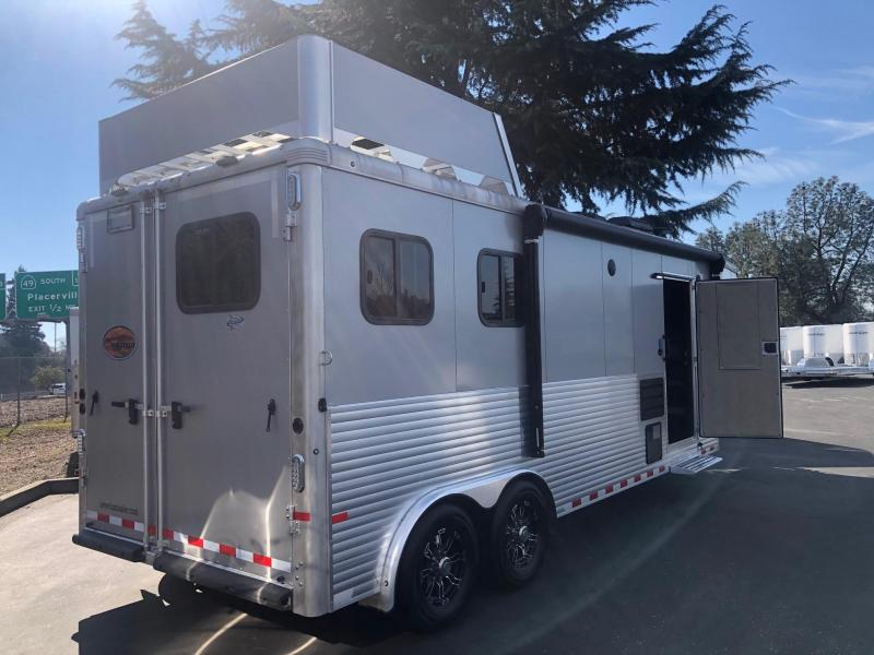 2019 Sundowner 2-Horse Horizon 8009 Model Living Quarters