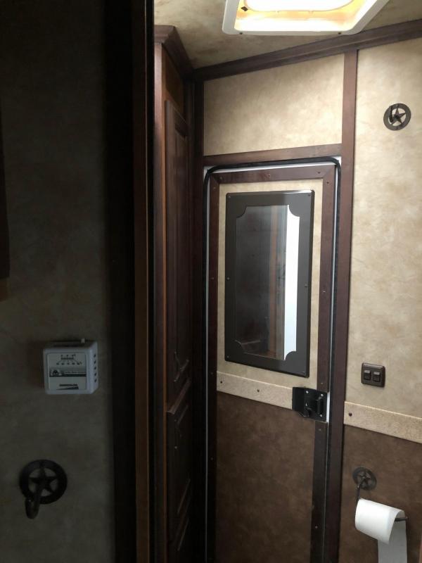 2015 Trails West Classic Model 2-Horse Living Quarters 8x13 Slide Out
