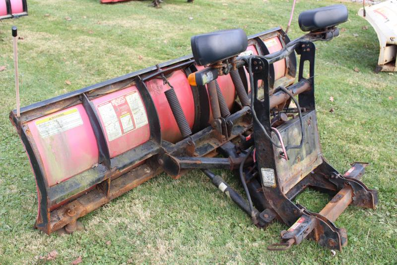 2010 BOSS 7.5' STANDARD POLY Snow Truck Plow USED
