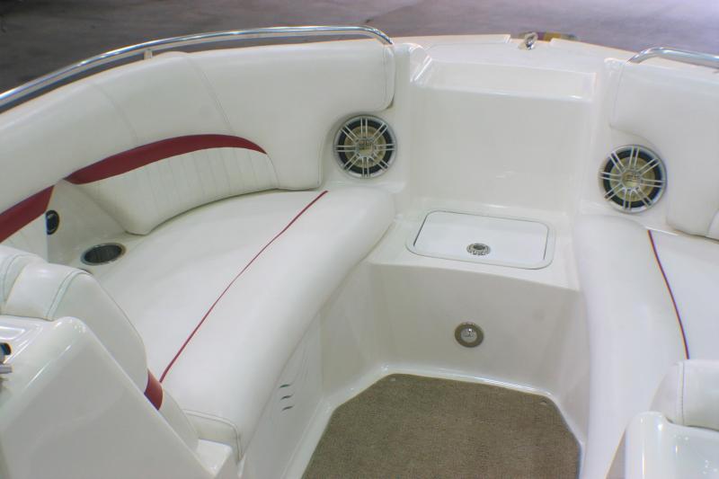 2011 Hurricane Boats 220 Sundeck Deck Boat