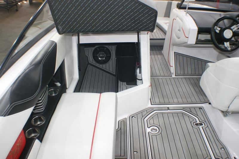 2013 SUPER AIR NAUTIQUE G23 Surf Boat