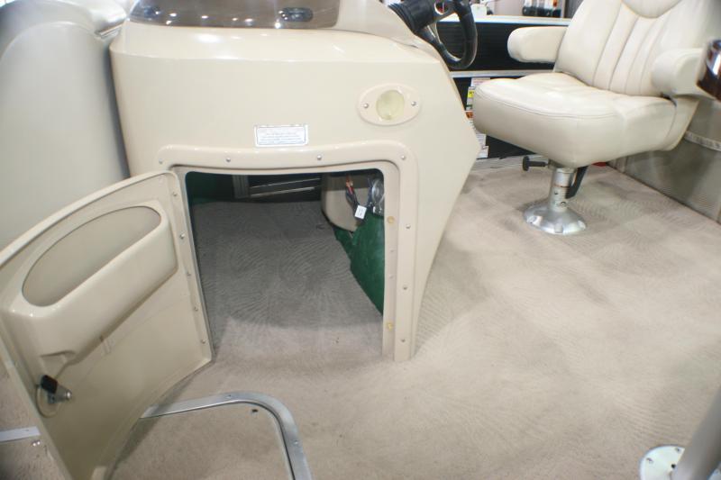 2011 Bennington 2250 GCW Pontoon Boat