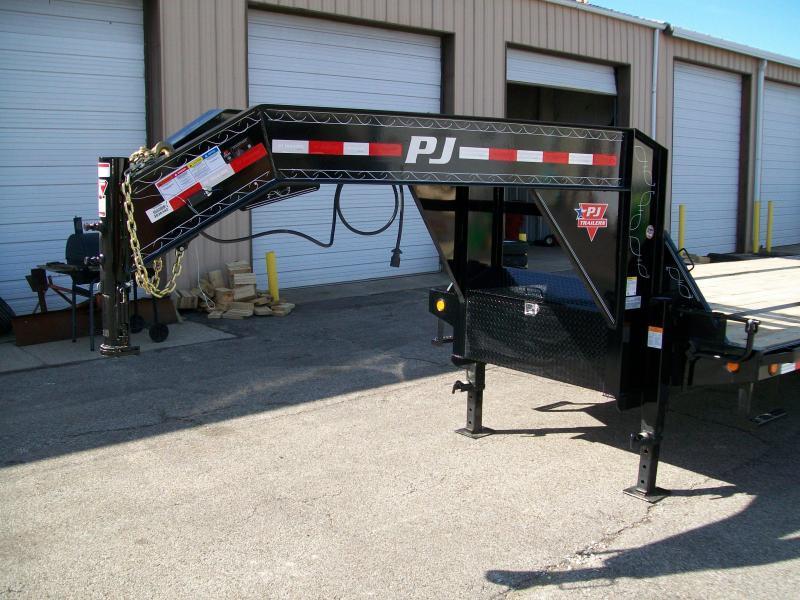 "2020 PJ LY 102"" x 34' 25K GVWR Flatbed Deckover Trailer $13976"