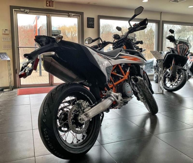 2020 KTM 690 SMC R SuperMotard