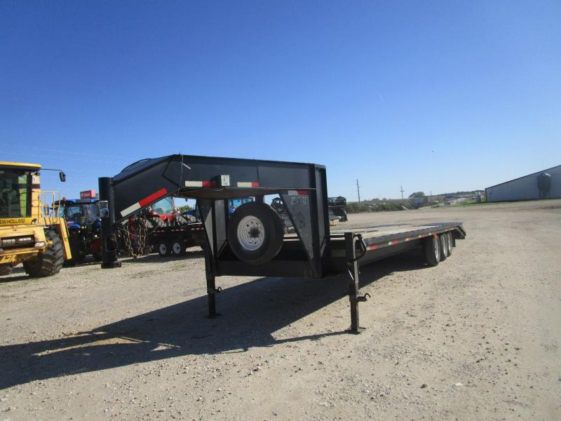 2006 H and H Trailer 30 GN Equipment Trailer