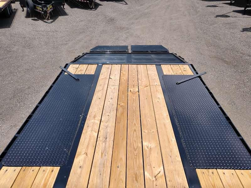 22GN-25BK+5MR BIG TEX 30' GOOSENECK DUAL TANDEM FLAT BED W/ MEGA RAMPS ; FREE SPARE TIRE